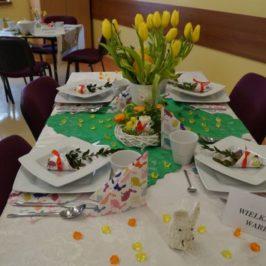 Szkolny konkurs na wystrój stołu wielkanocnego
