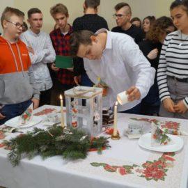 Przy świątecznym stole… – Gwiazdka szkolna