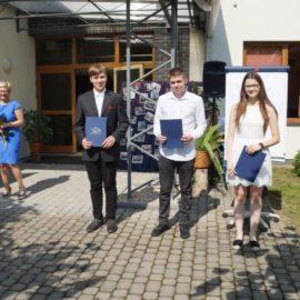 Pożegnanie absolwentów szkoły