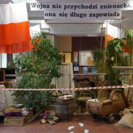 Wrześniowa wystawa z okazji inauguracji roku szkolnego 2020/2021